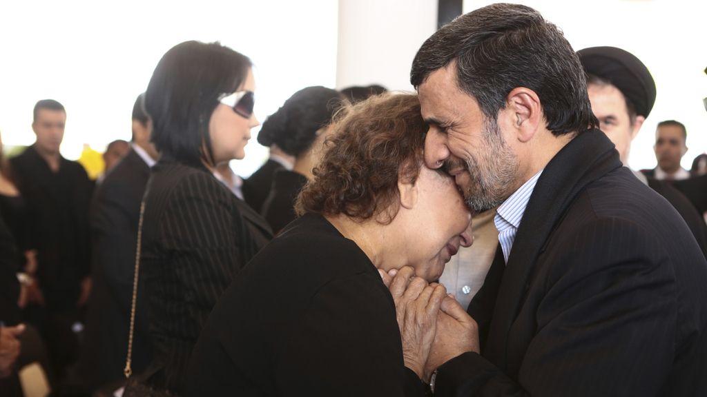 Mahmoud Ahmadinejad y Elena Frías
