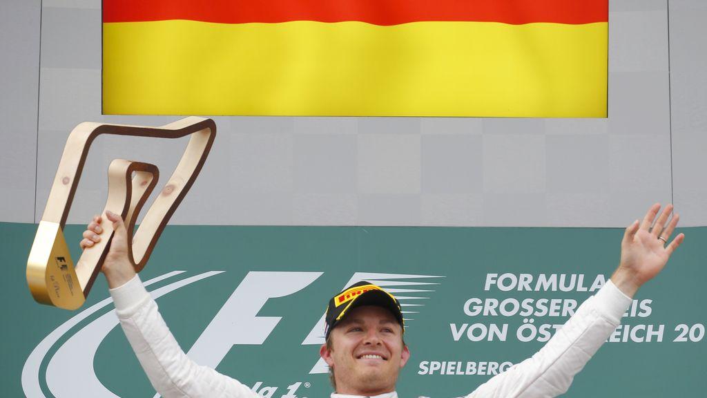 Rosberg saca el martillo y birla el triunfo a Hamilton