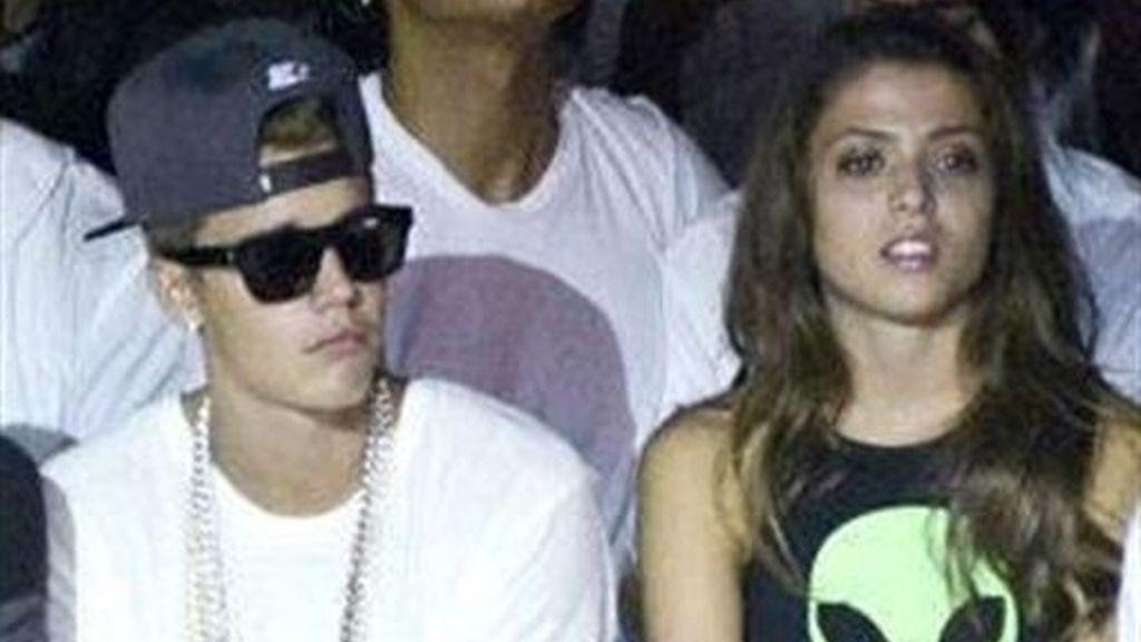 Justin Bieber desconecta de vacaciones con su nueva novia