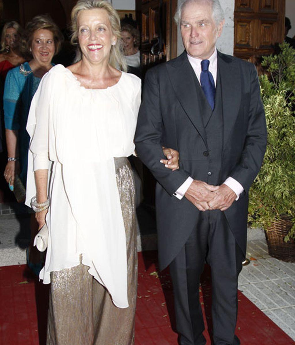 Ramón Calderón junto a Teresa Galán, padres de la novia