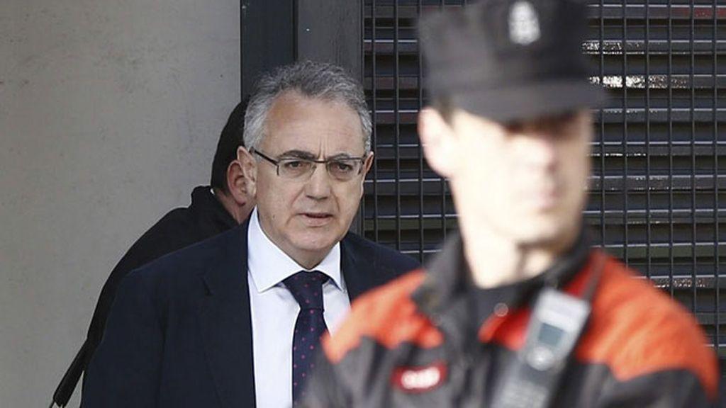 Comienza la declaración de Miguel Sanz ante la juez por las dietas de Caja Navarra