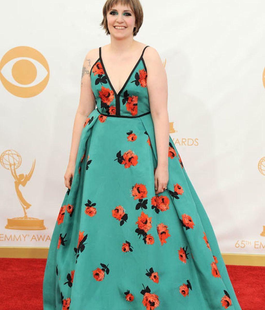 Lena Dunham eligió un floreado vestido
