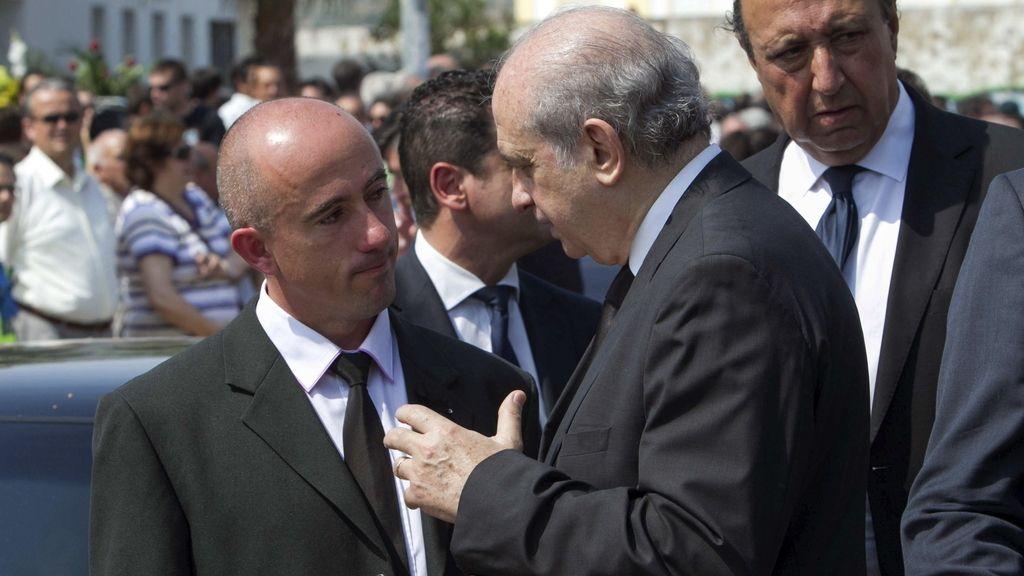 Fernández Díaz, en el funeral de los menores. Foto: EFE