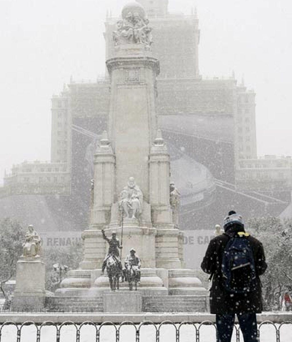 Plaza de España, de blanco