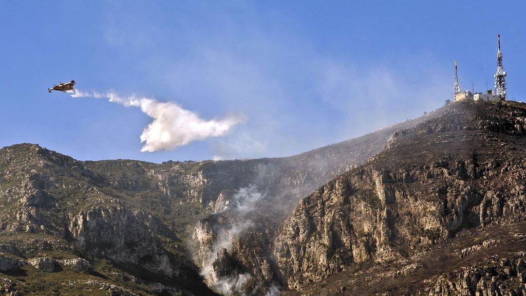 Incendio forestal en la localidad Valenciana de Barx