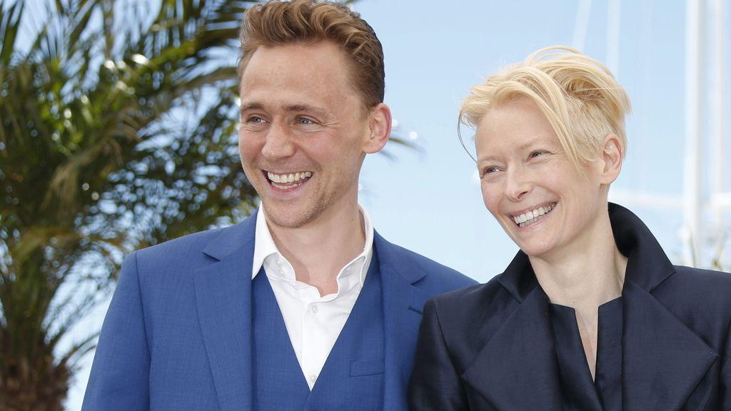 Los actores Tom Hiddleston y Tilda Swinton