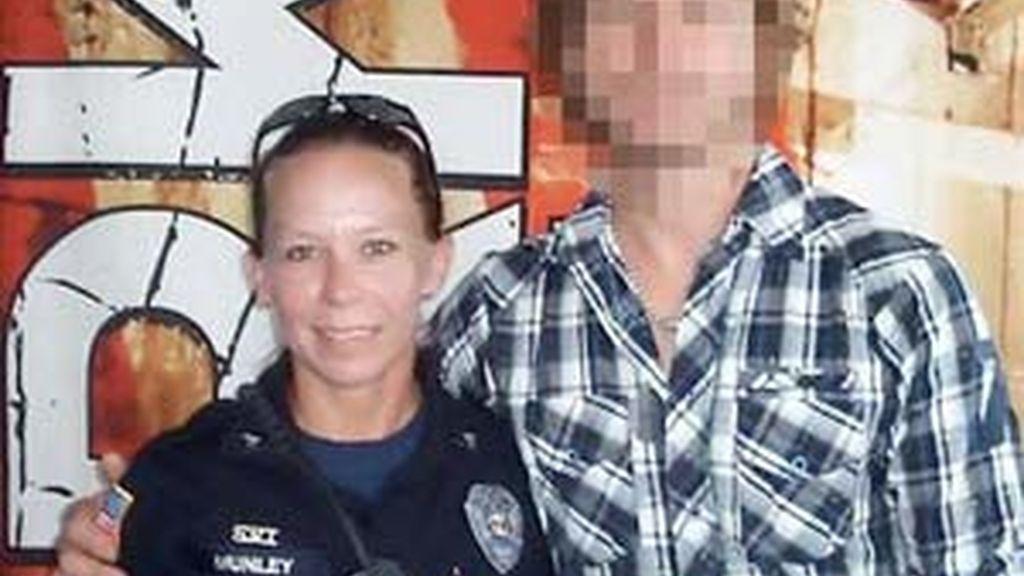 Kimberly Munley, la policía americana que abatió a Nidal Malik Hasan, en una imagen recogida por Times.
