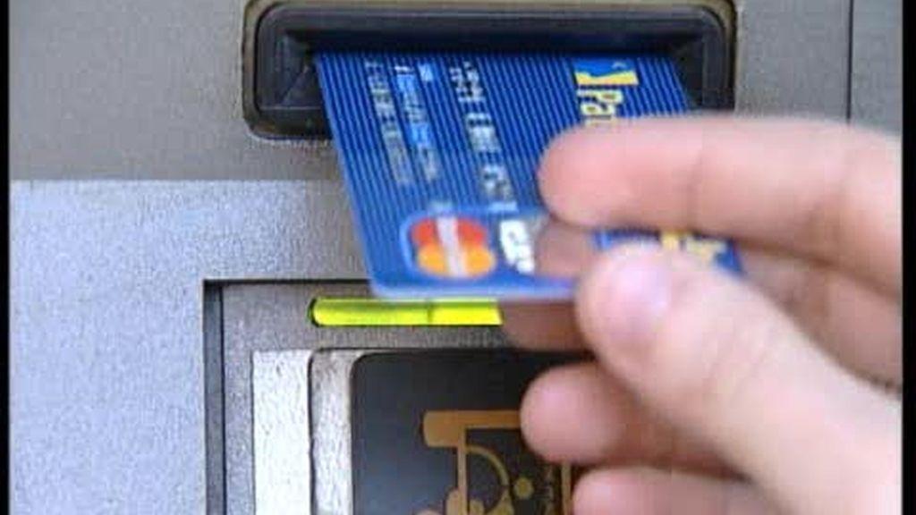 Las bandas organizadas dedicadas a la estafa de de tarjetas de crédito hacen su agosto