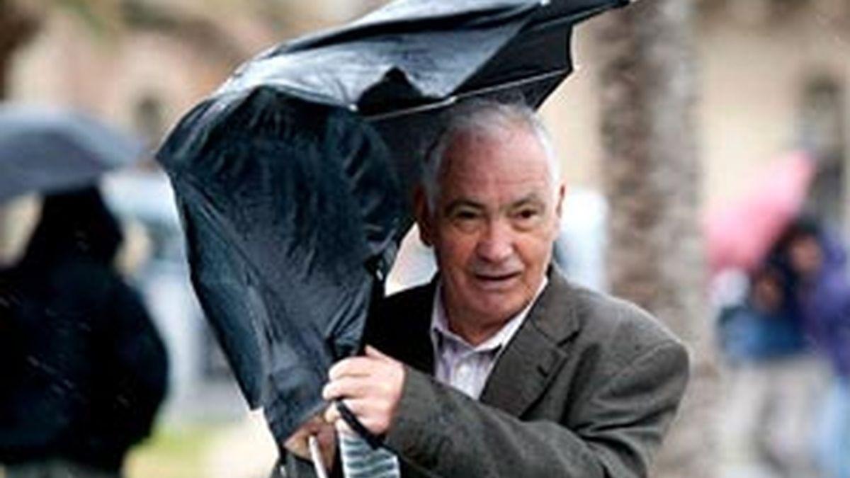 Las fuertes rachas de viento serán protagonistas en la jornada del domingo. Vídeo: Informativos Telecinco