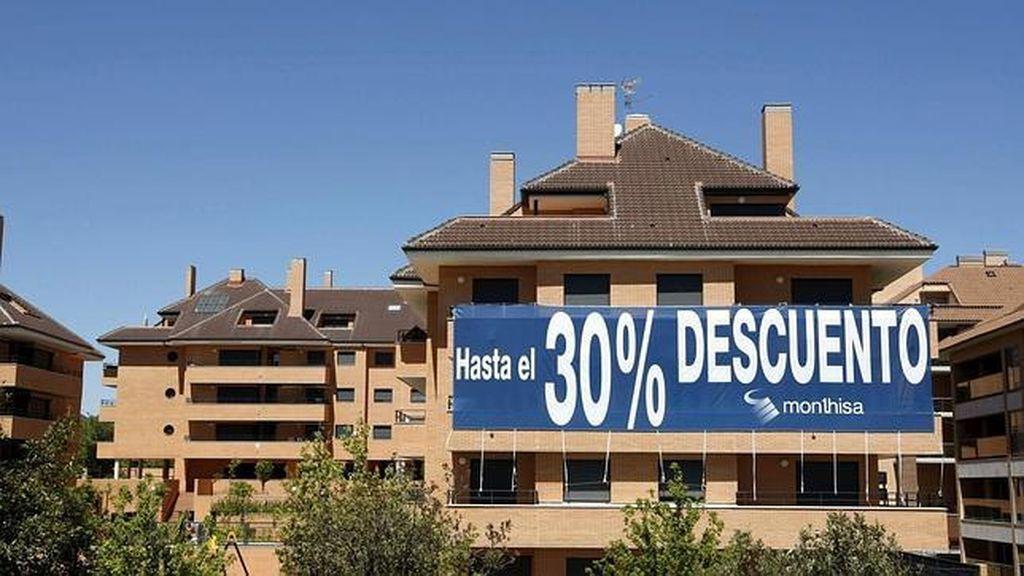 La compraventa de viviendas sube un 2,2% en 2014 tras tres años de descensos