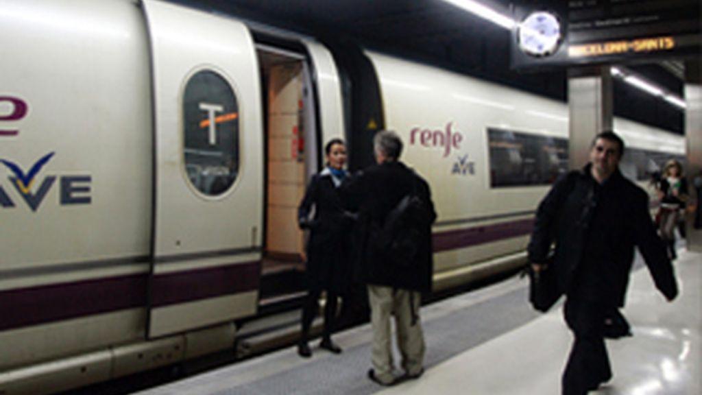 Se reanudan las obras del AVE y Zapatero asegura que llegará a Cantabria en 2015