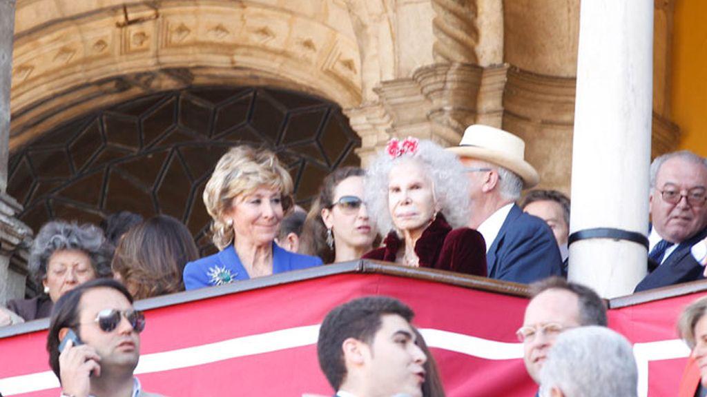 La Duquesa y Esperanza Aguirre se van a los toros