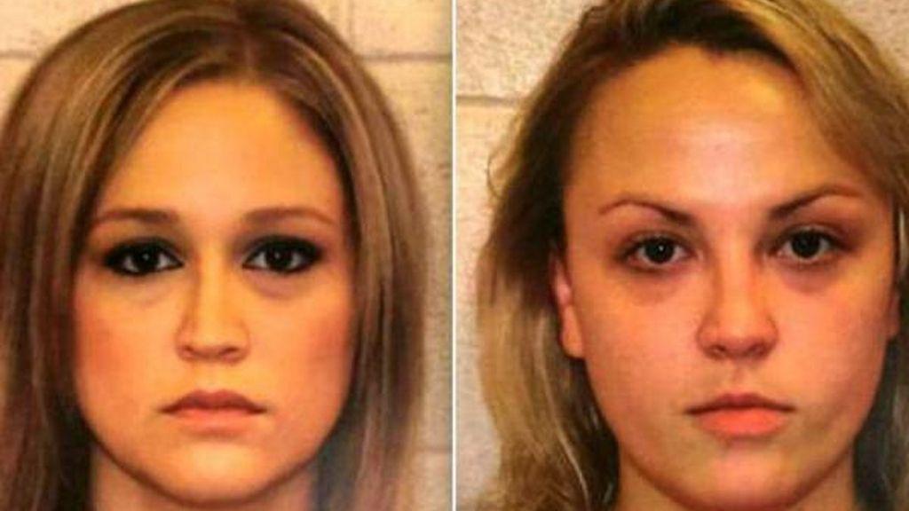 """Dos profesoras arrestadas tras hacer un """"trío"""" con un alumno"""