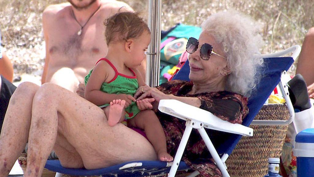 La duquesa se relaja en Formentera
