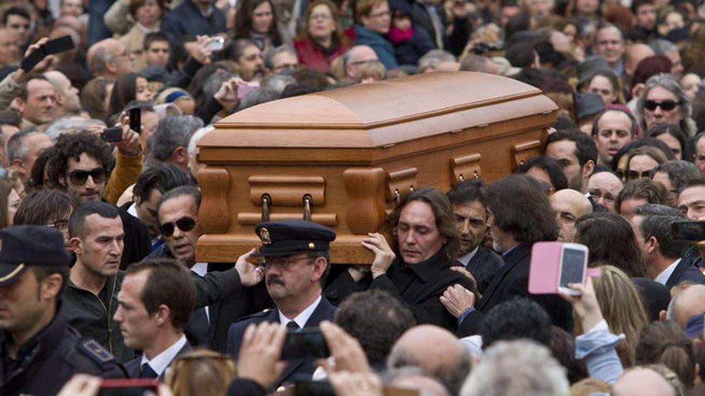 Javier Limón o Vicente Amigo han portado su féretro