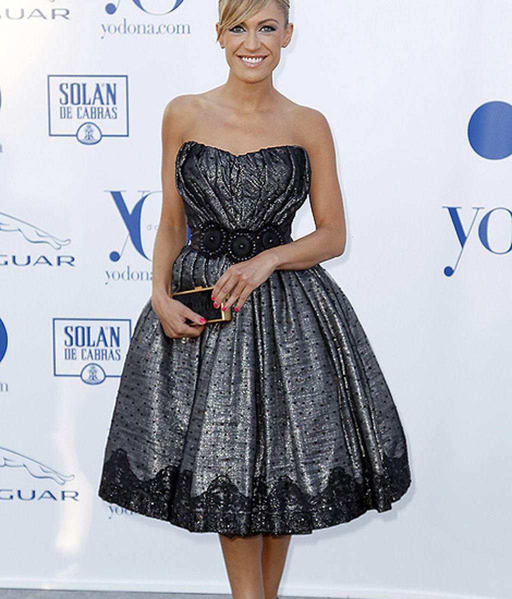 La presentadora Luján Argüelles apostó de nuevo por un vestido corto y abombado