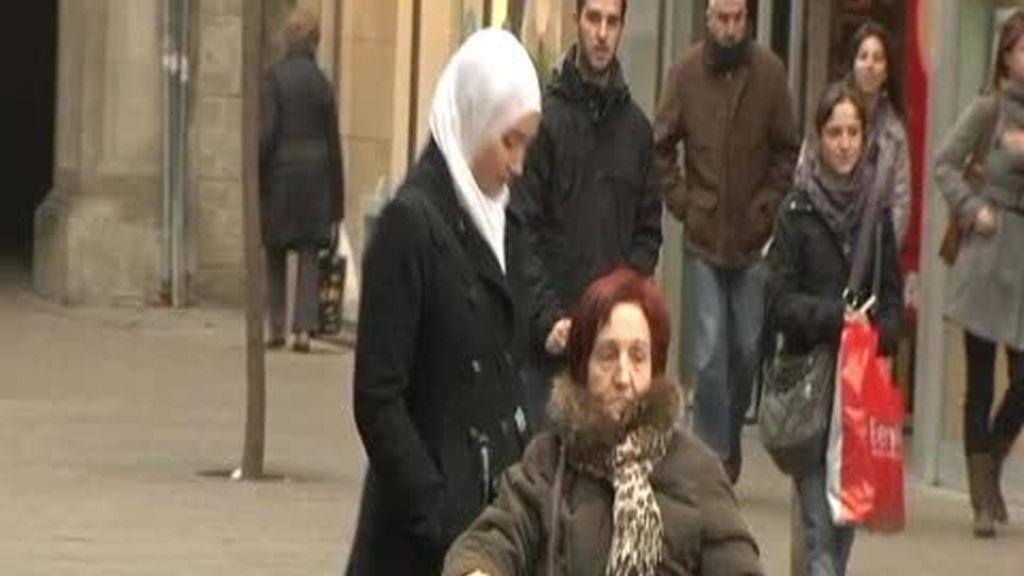 El 'burka' ya se puede usar en los edificios municipales de Lleida
