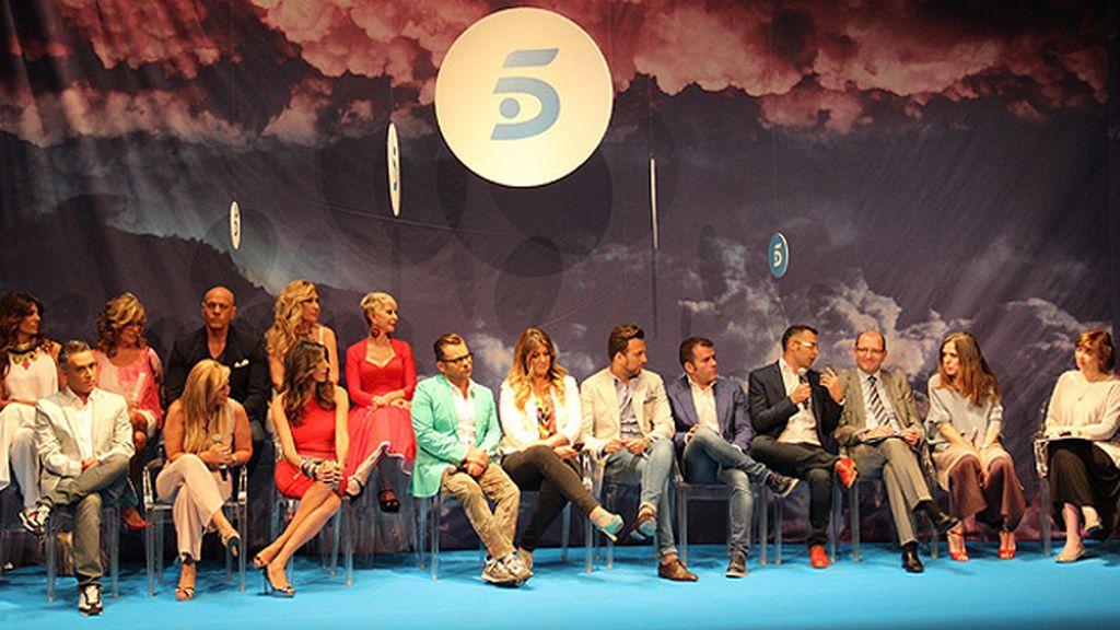 Presentadores, directores y colaboradores de 'Sálvame', ante los medios