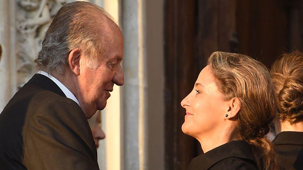 Don Juan Carlos estuvo cercano con Carla Royo Villanova