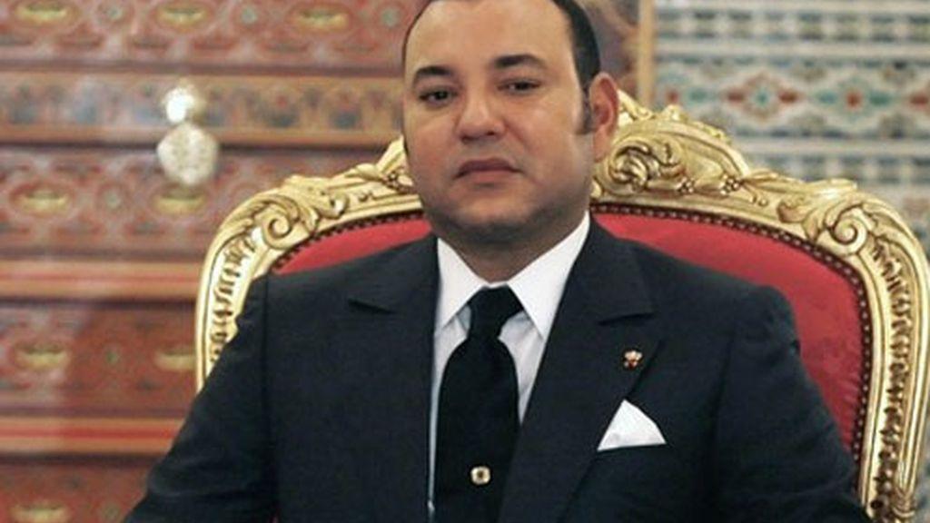 """Mohamed VI cede competencias y renuncia a ser una figura """"sagrada"""""""