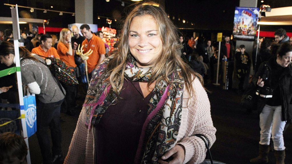 Caritina Goyanes a punto de disfrutar de todas las activades que organizaron en el estreno