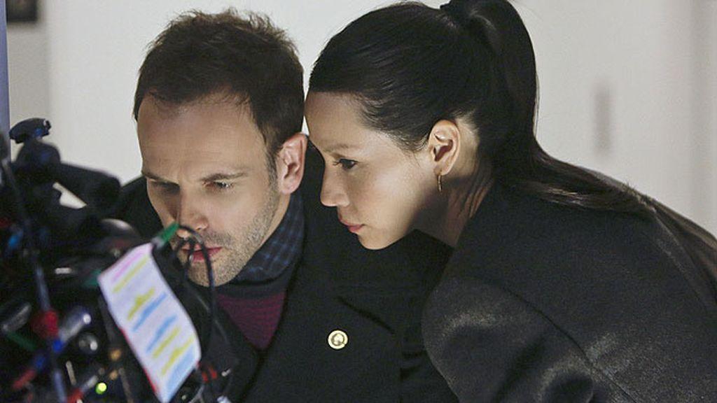 Watson intenta negociar la paz entre Sherlock y Gregson