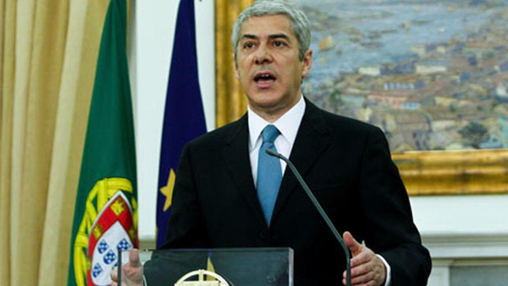 José Sócrates anuncia que su Gobierno envió a la Comisión Europea una petición de ayuda económica. Vídeo: Informativos Telecinco