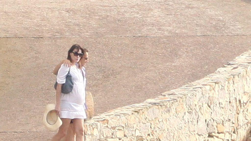 Carla Bruni y Nicolas Sarkozy, embarazados y de vacaciones