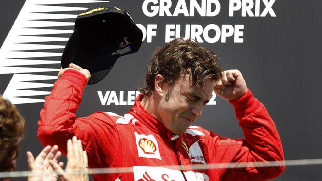 Alonso celebra el primer puesto del Gran Premio de Europa