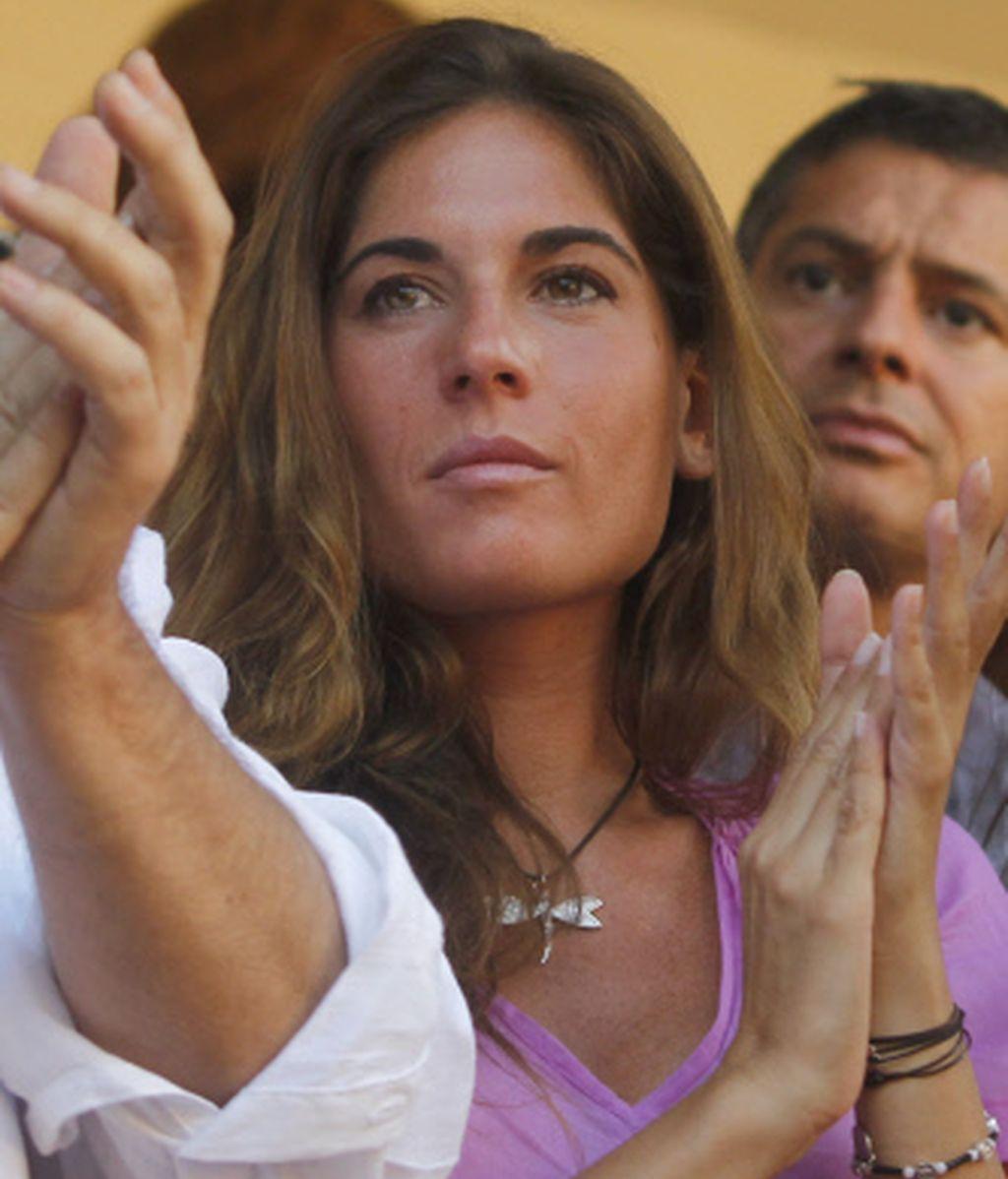 Lourdes Montes aplaude a su amado