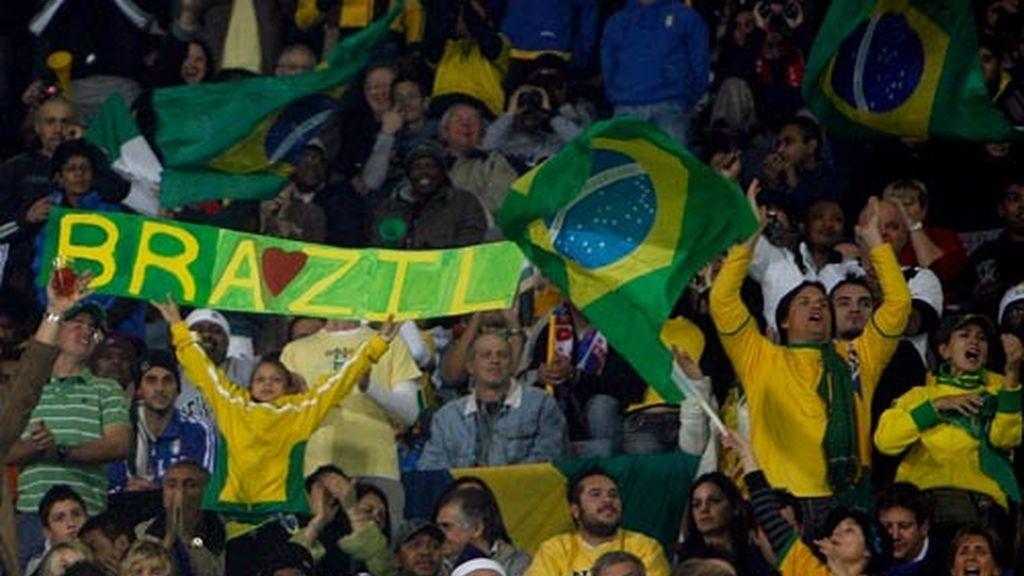 Hinchas de la selección brasileña