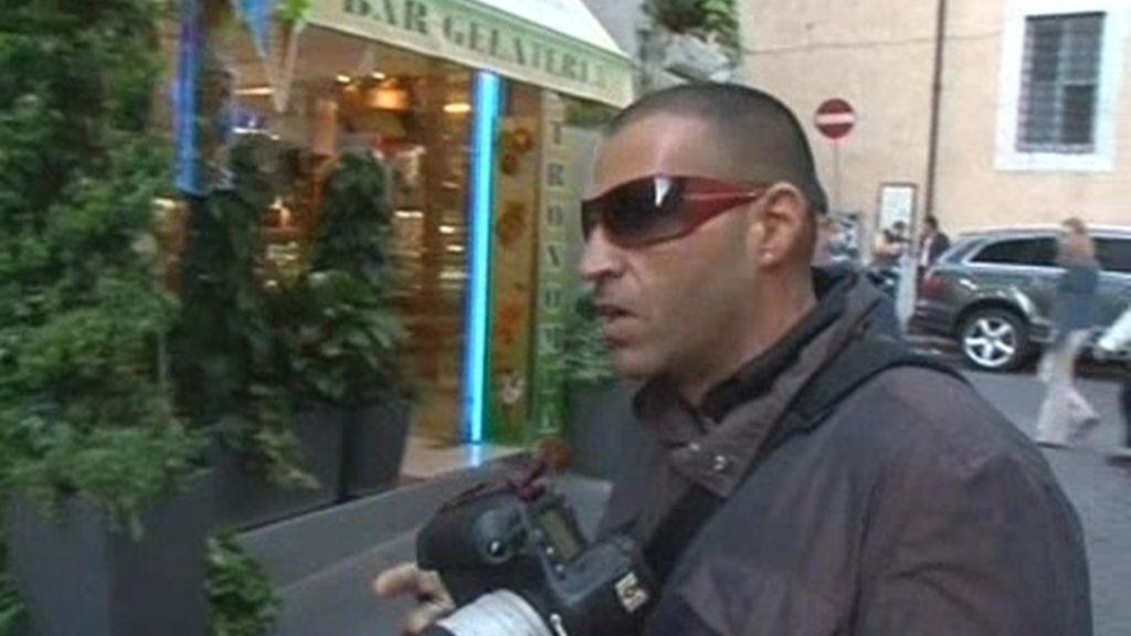 Viajeros Conocidos. Baptista y su novia Silvia viven en Roma