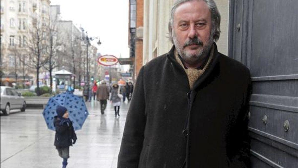 El escritor leonés Julio Llamazares en una entrevista concedida a Efe. EFE