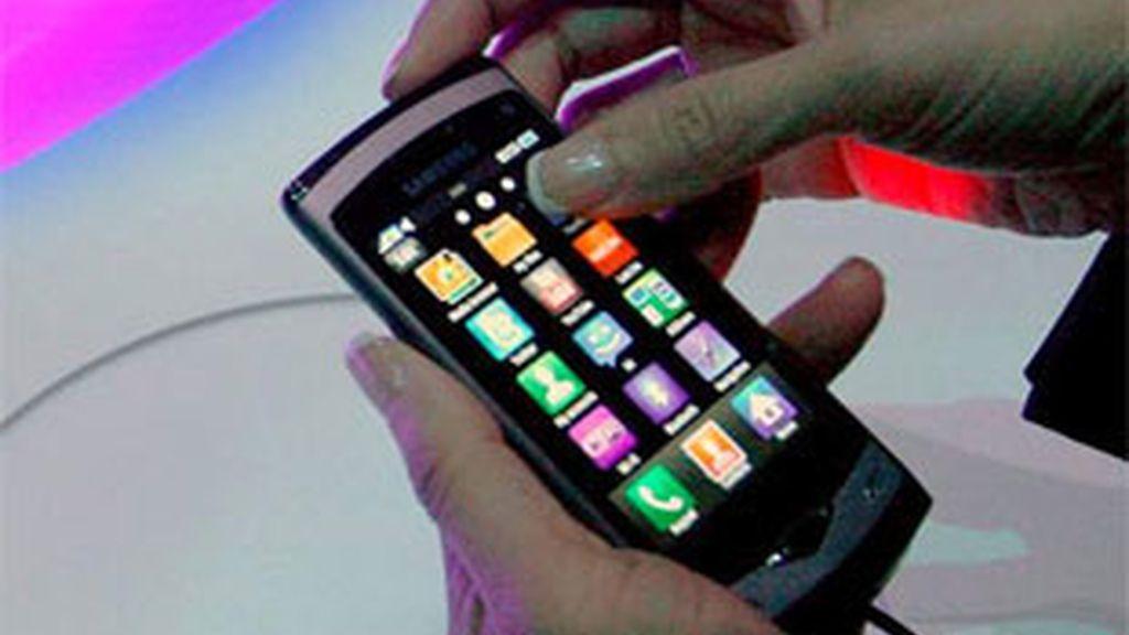 La OCU advierte contra los SMS Premium. Foto: EFE.