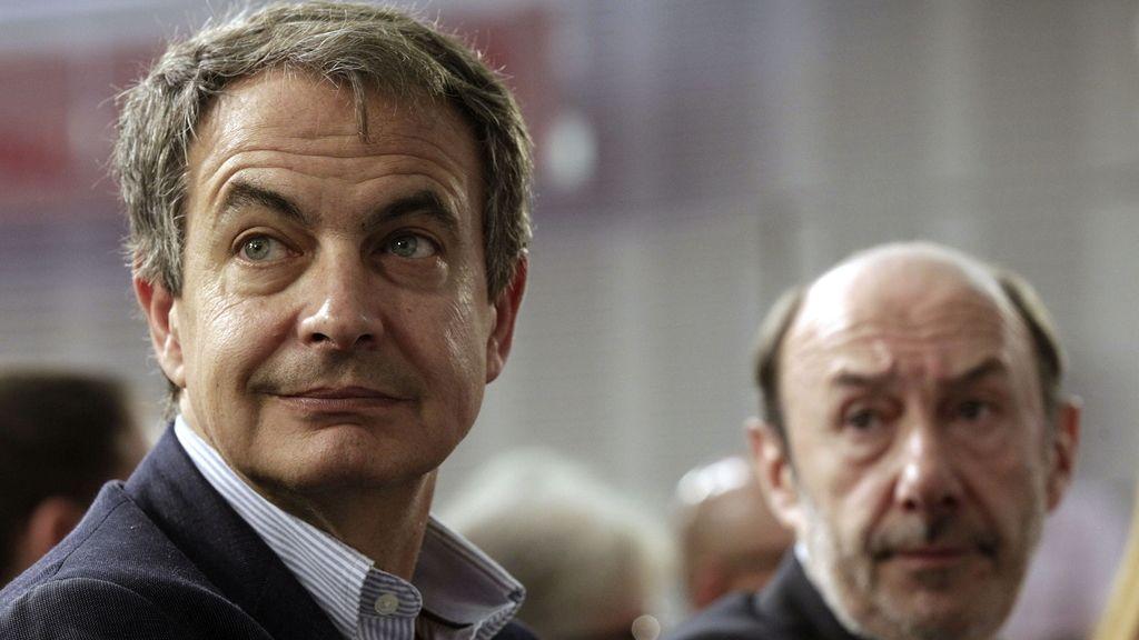 """Zapatero insta a los socialistas a """"apoyar y escuchar los impulsos"""" de Rubalcaba"""
