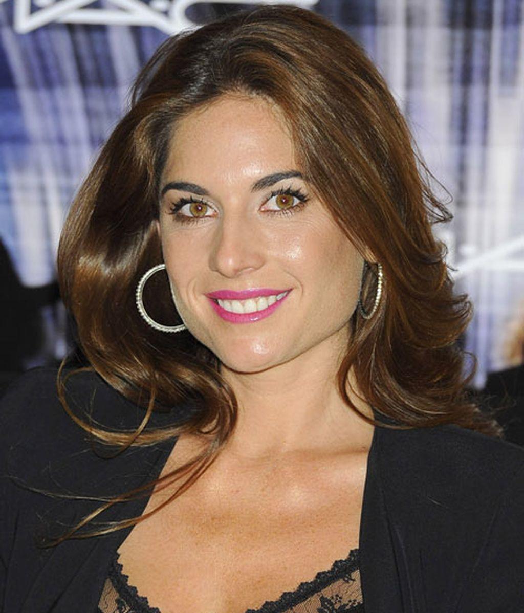 Muy guapa y bien maquillada, Montes amadrinó el evento de MAC