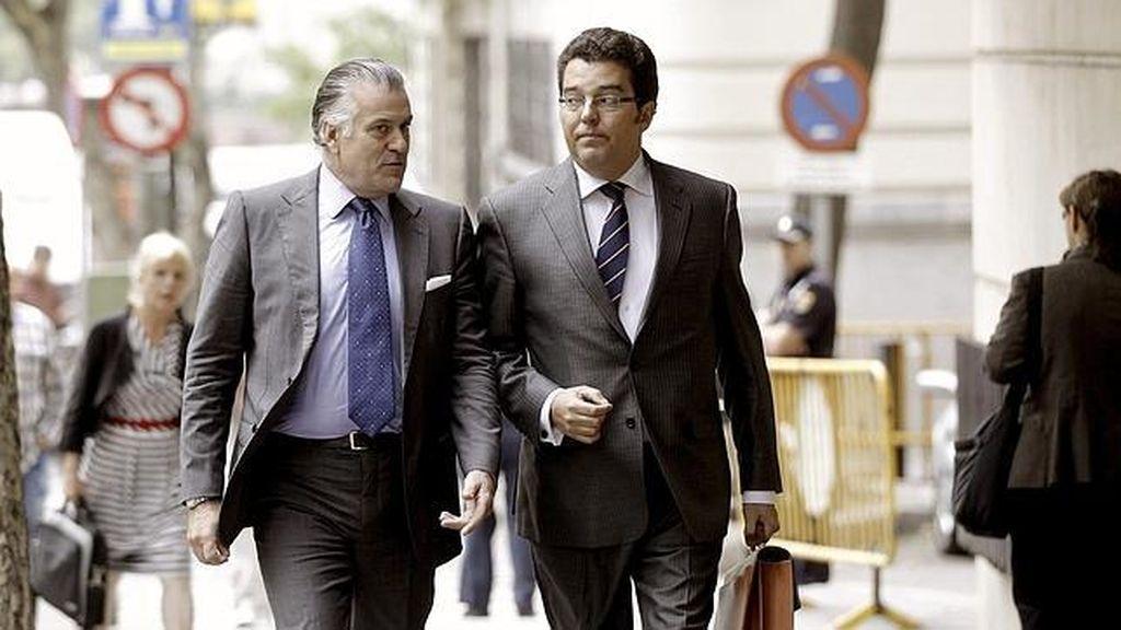 Luis Bárcenas y su abogado en una imagen de archivo