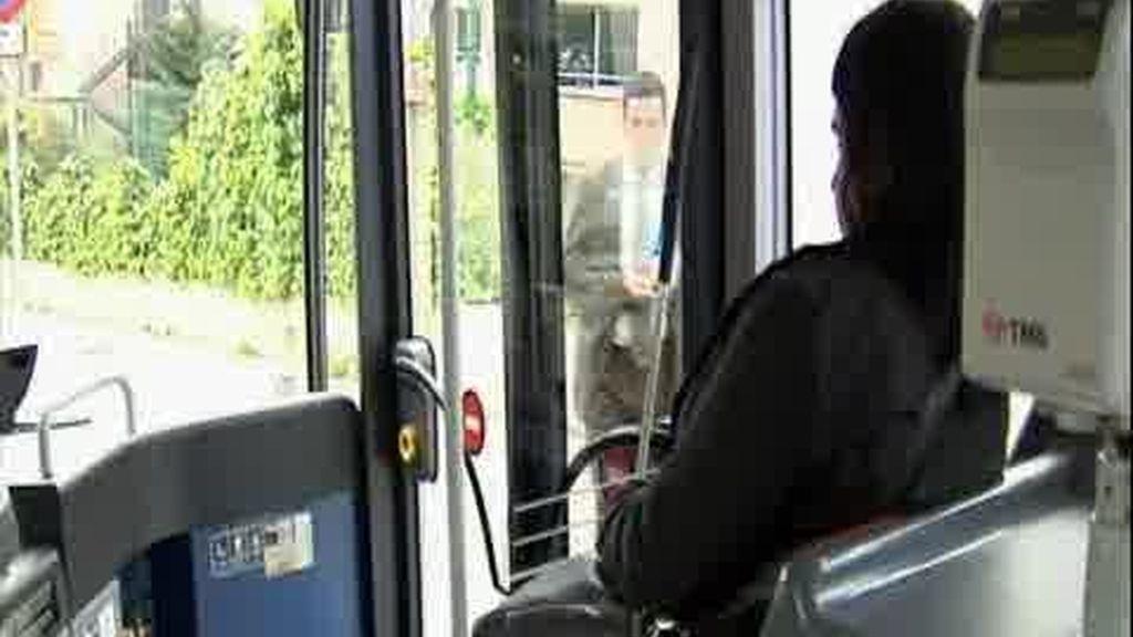 Voz masculina en los autobuses