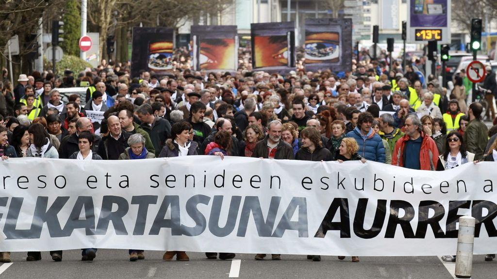 """Miles de personas se manifiestan """"en defensa de los derechos de los presos y sus familiares"""""""