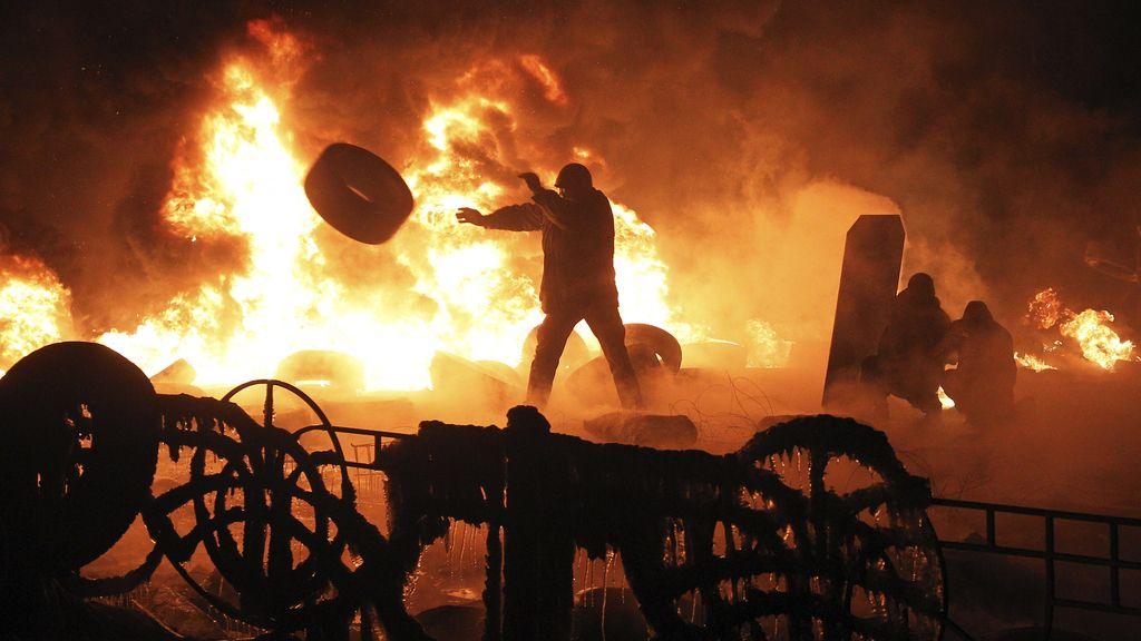 Los manifestantes intentan tomar el control del Ministerio de Energía en Ucrania