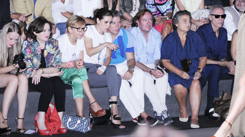 """El front row de Ion Fiz siguió con atención el desfile de """"Fiz la nuit"""""""