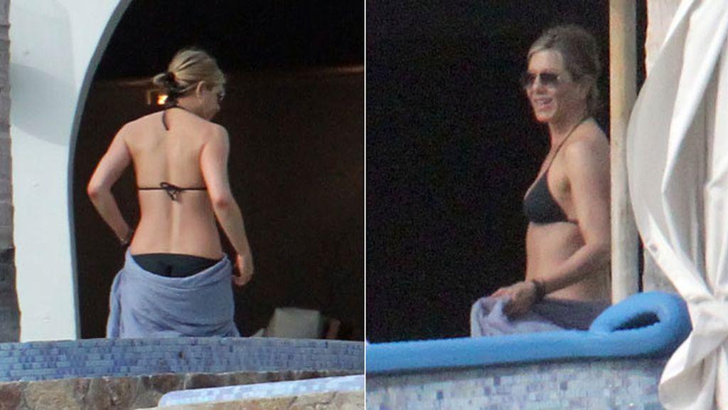 Jennifer Aniston pasa las navidades en bañador