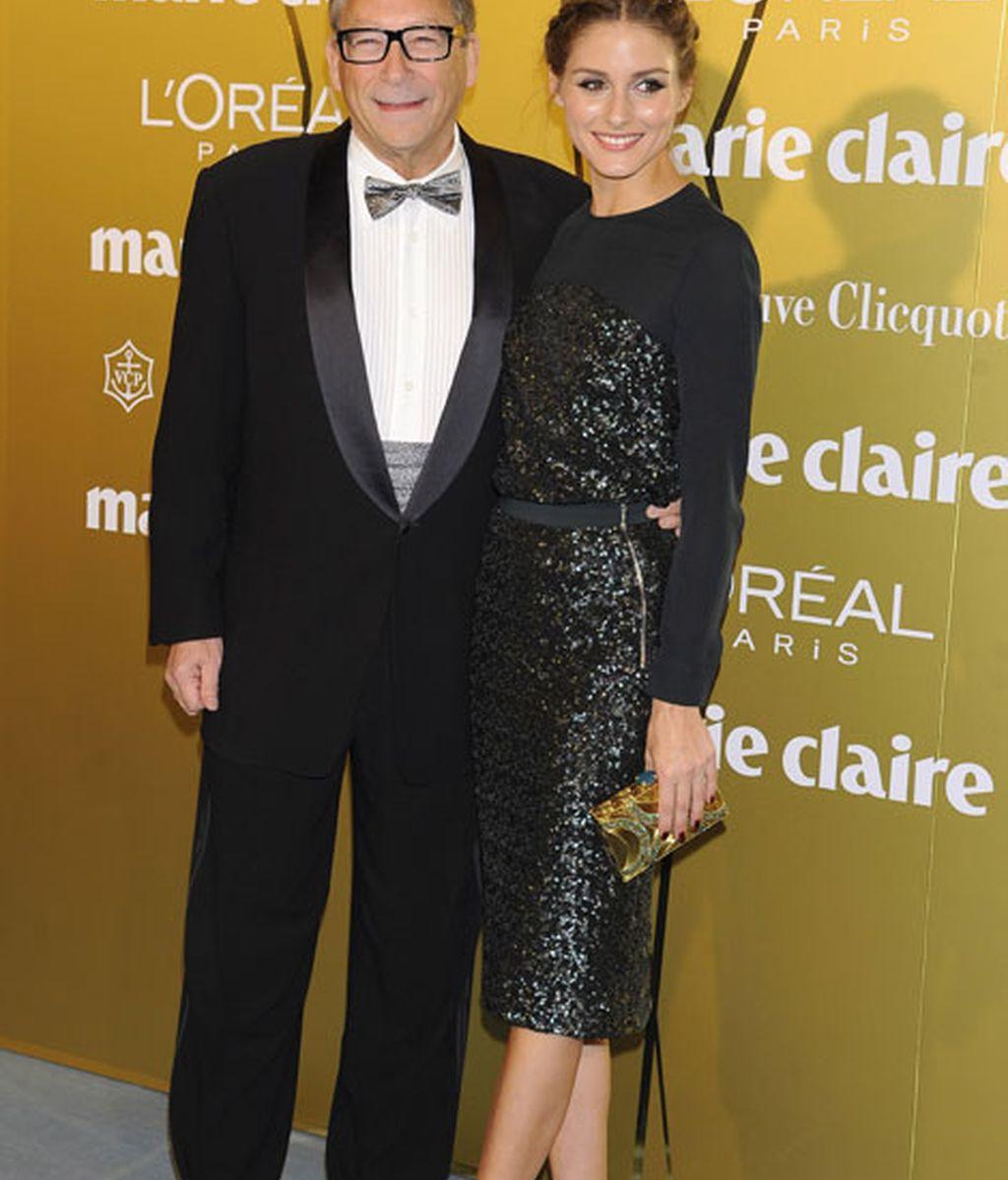 Olivia Palermo junto al diseñador Stuart Weitzman