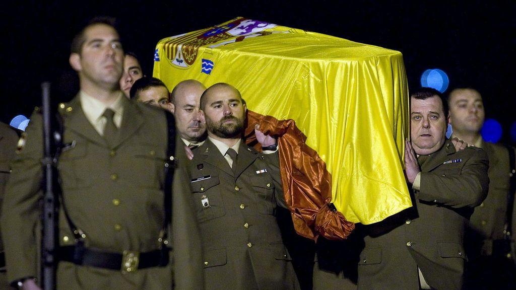 Llegada del féretro del sargento muerto en Afganistán