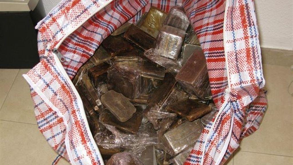 Intervenidos 710 kilos de hachís en un control de la Guardia Civil en la A-7