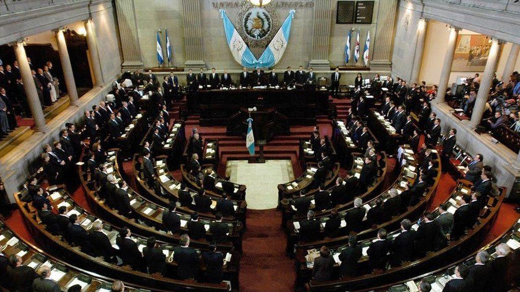 Guatemala prohíbe el matrimonio infantil