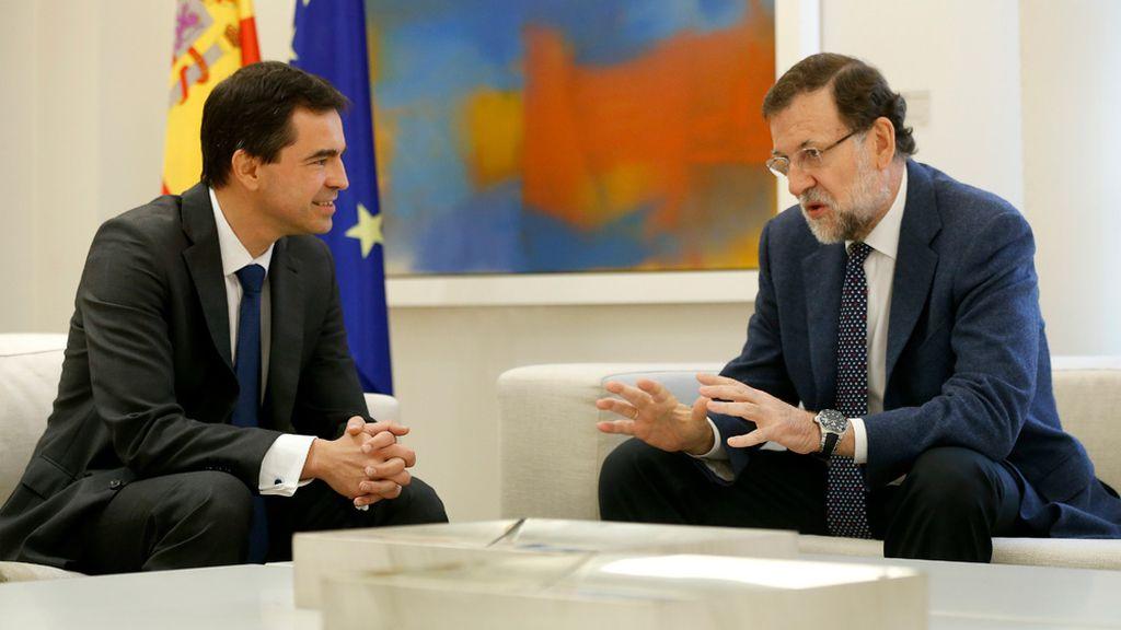 Andrés Herzog, de UPyD, con Mariano Rajoy