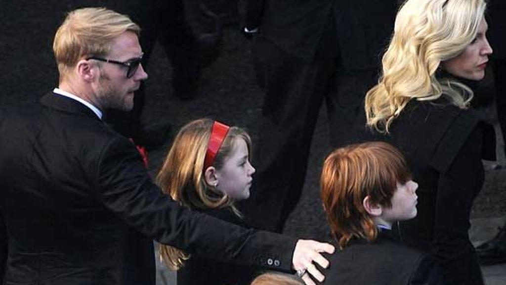Ronan Keating, miembro de Boyzone, con su mujer e hijos