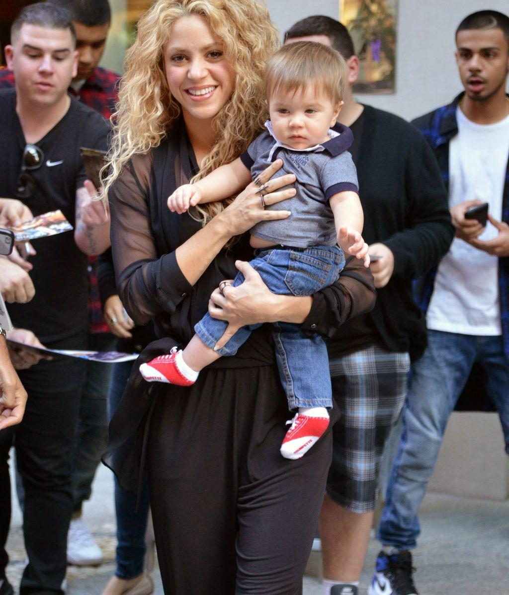 Shakira con su hijo Sasha Piqué en Nueva York