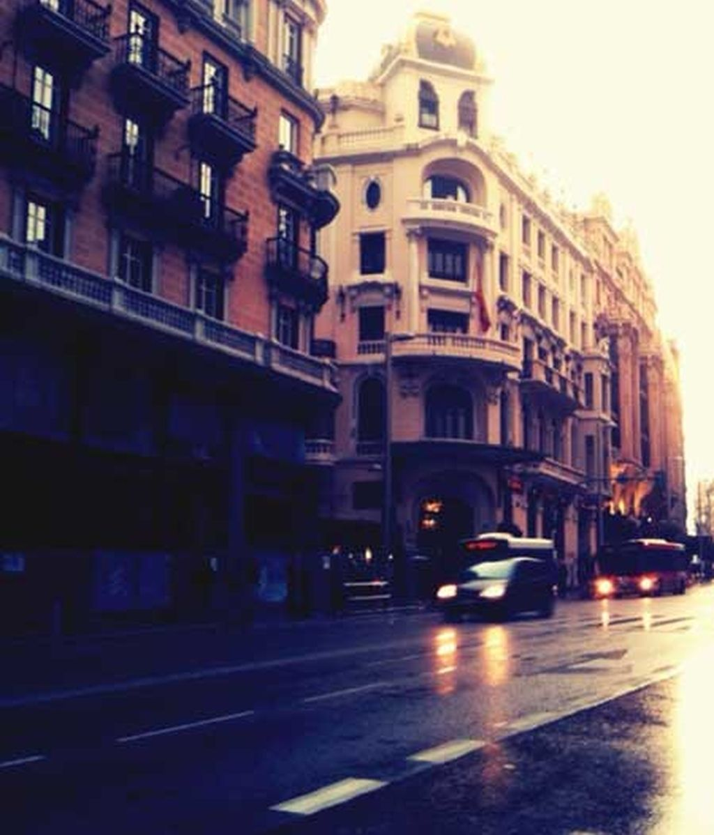 Llueve sobre Gran Vía
